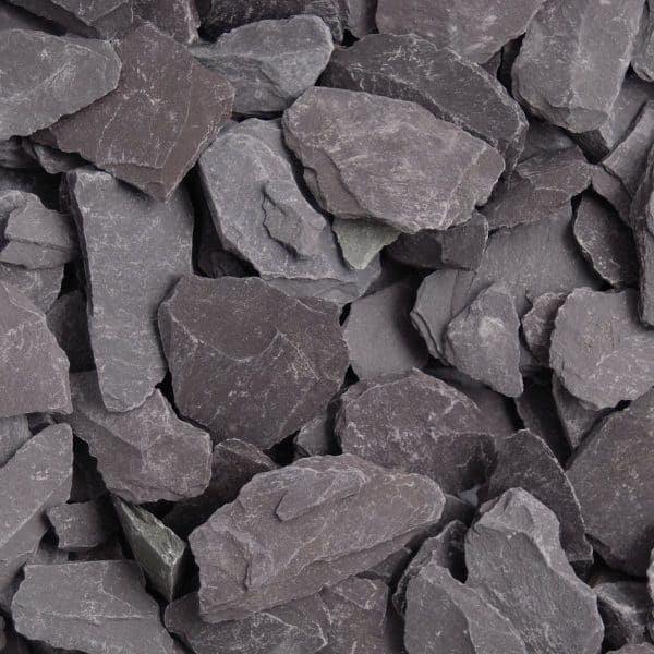 An image of plum slate chippings, 40mm in size, dry.