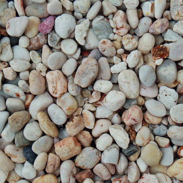 apricot gravel 14-22mm in size, wet
