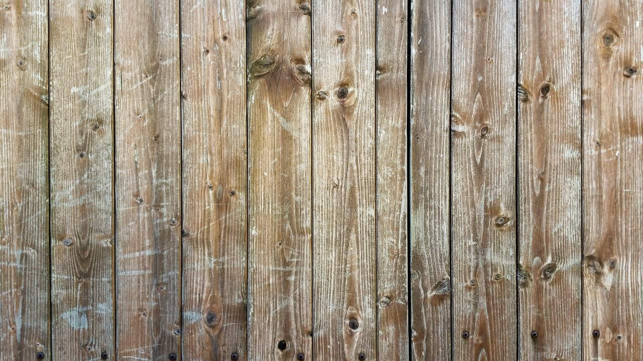 An image of a well maintained fence.